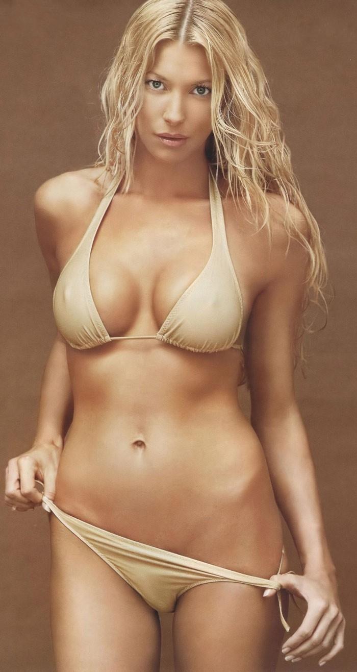 Джулия Зигель голая. Фото - 2