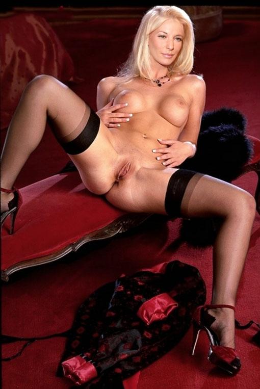 Джулия Зигель голая. Фото - 27