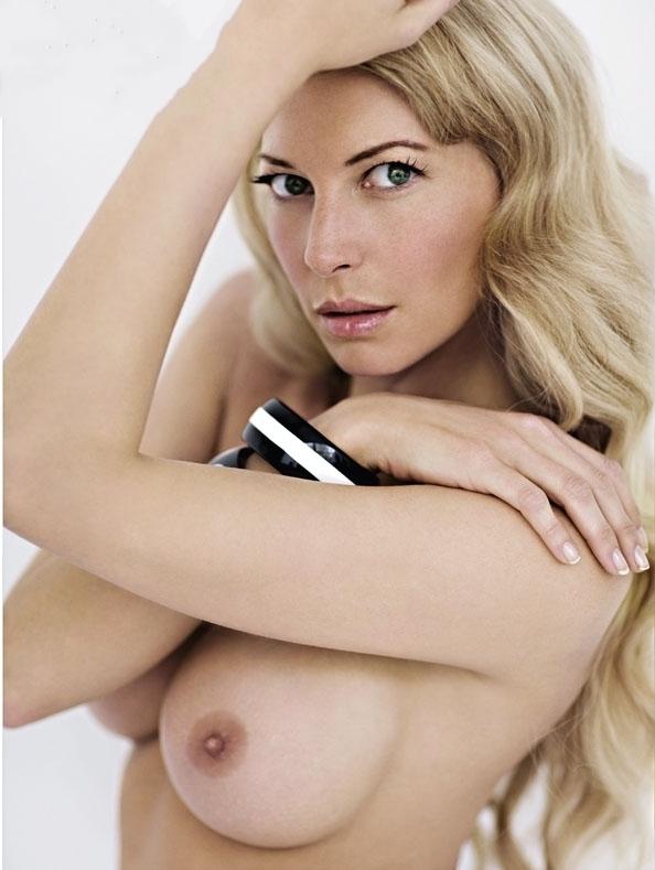 Джулия Зигель голая. Фото - 29