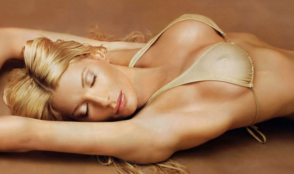 Джулия Зигель голая. Фото - 33