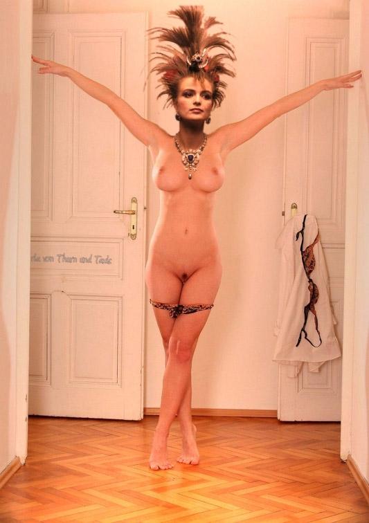 Глория Турн-и-Таксис голая. Фото - 4
