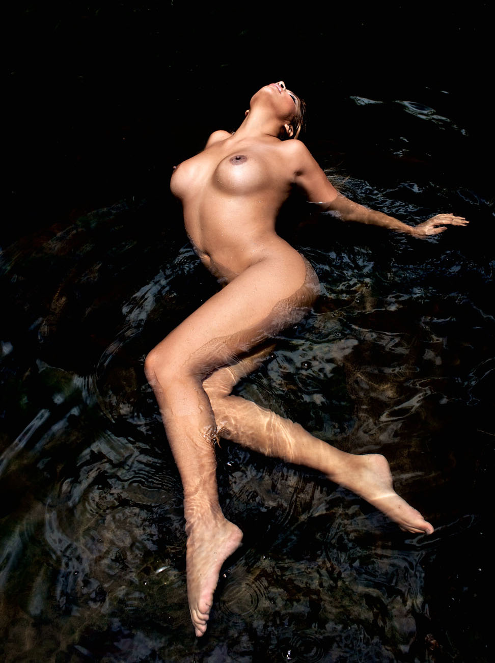 Индира Вайс голая. Фото - 25