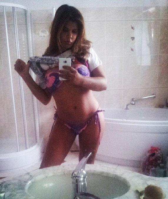 Индира Вайс голая. Фото - 8