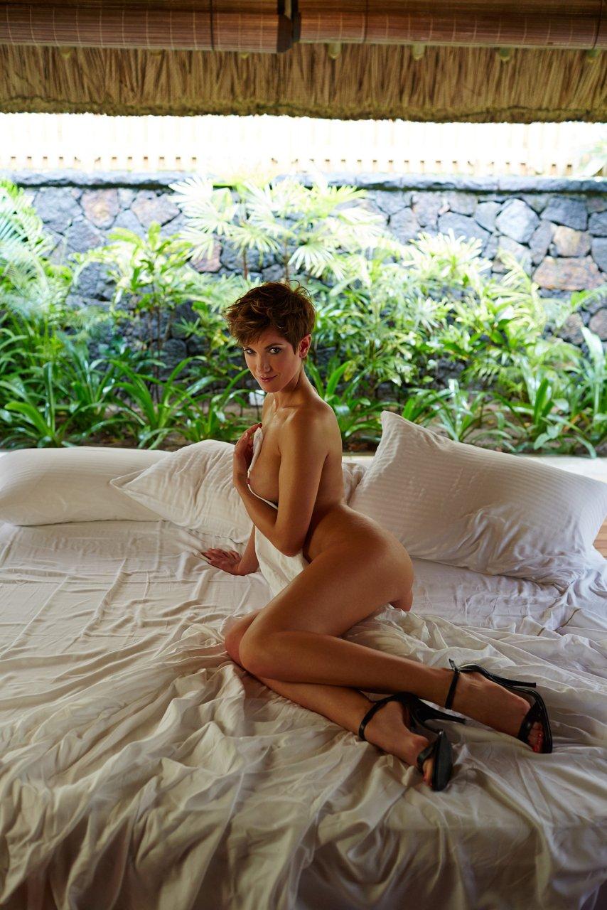 Изабель Хорн голая. Фото - 10