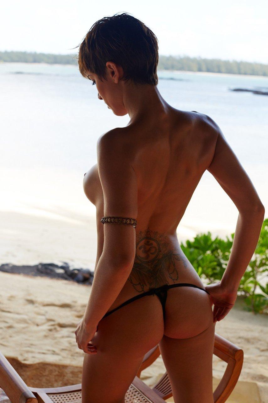 Изабель Хорн голая. Фото - 19