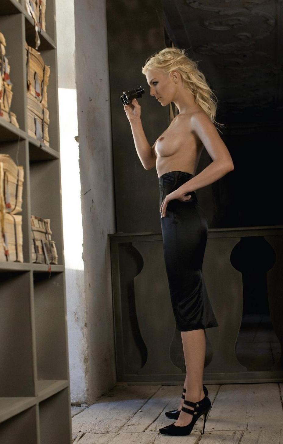 Ивонна Шонхер голая. Фото - 12