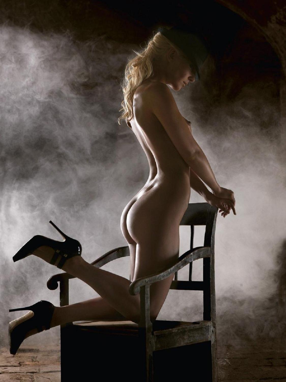 Ивонна Шонхер голая. Фото - 16