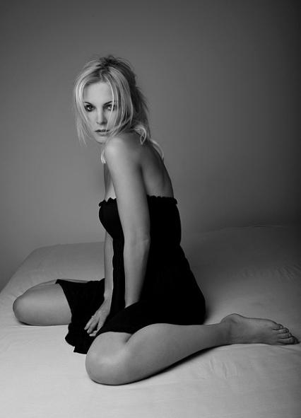 Ивонна Шонхер голая. Фото - 34