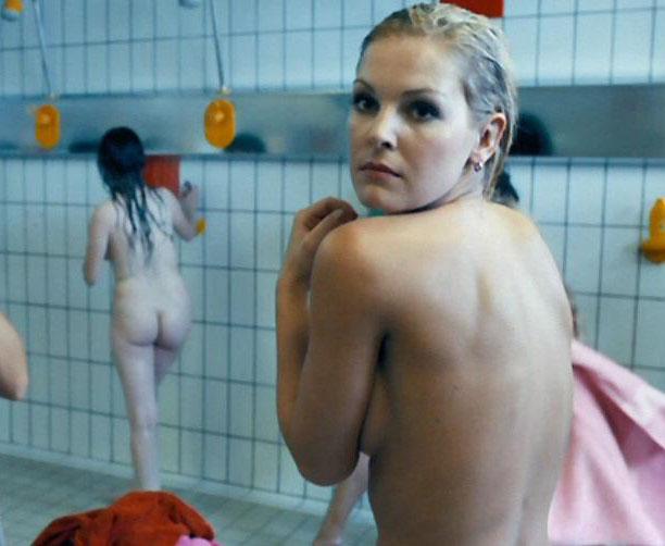 Ивонна Шонхер голая. Фото - 4