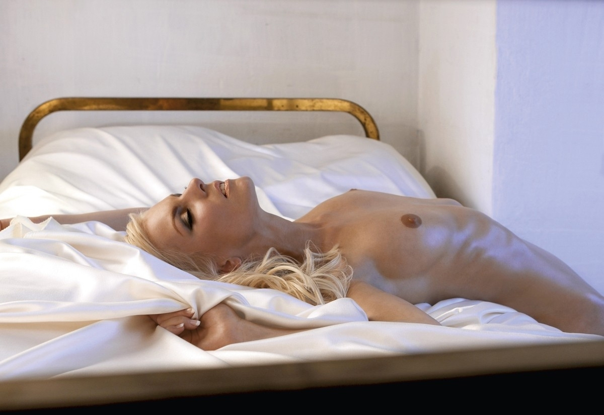 Ивонна Шонхер голая. Фото - 8