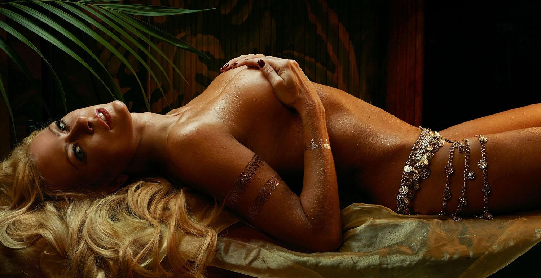 Дженни Элверс голая. Фото - 1