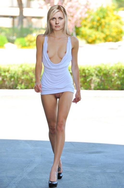 Джессика Бёрс голая. Фото - 14
