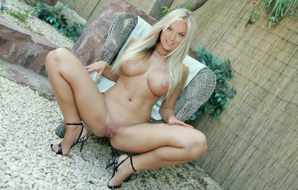 Джои Грит Винклер голая. Фото - 3