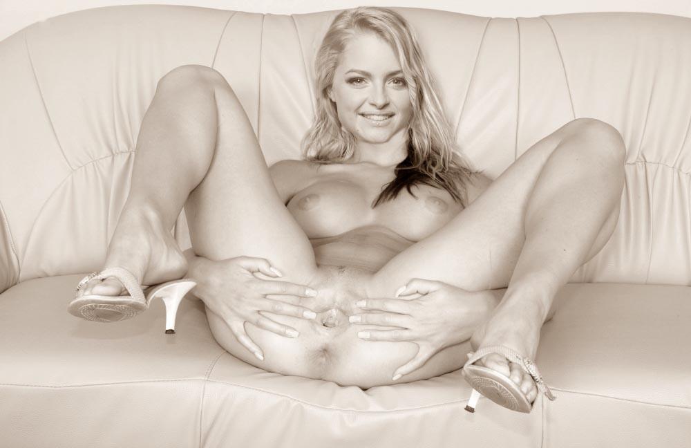 Жозефин Уэлш голая. Фото - 7