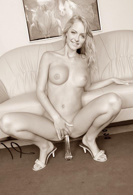 Жозефин Уэлш голая. Фото - 9