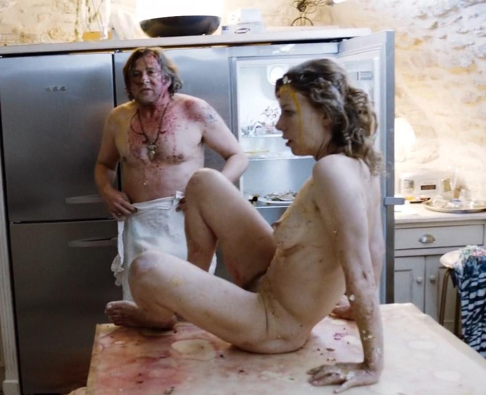 Юля Бёве голая. Фото - 8