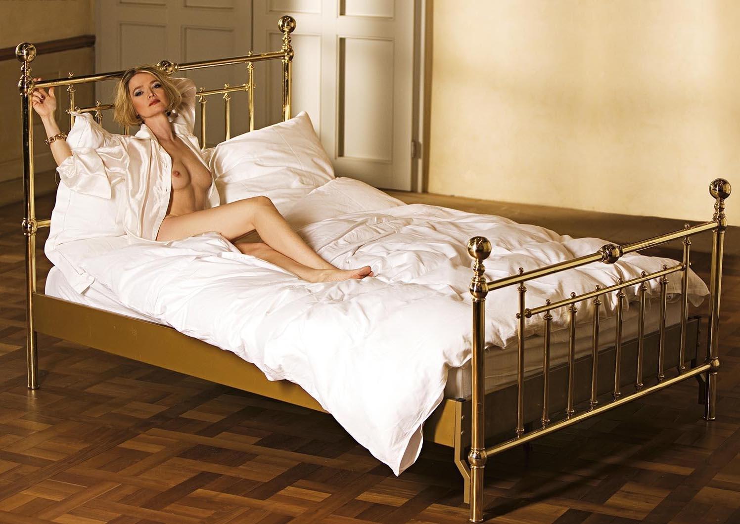 Юлия Бидерман голая. Фото - 1