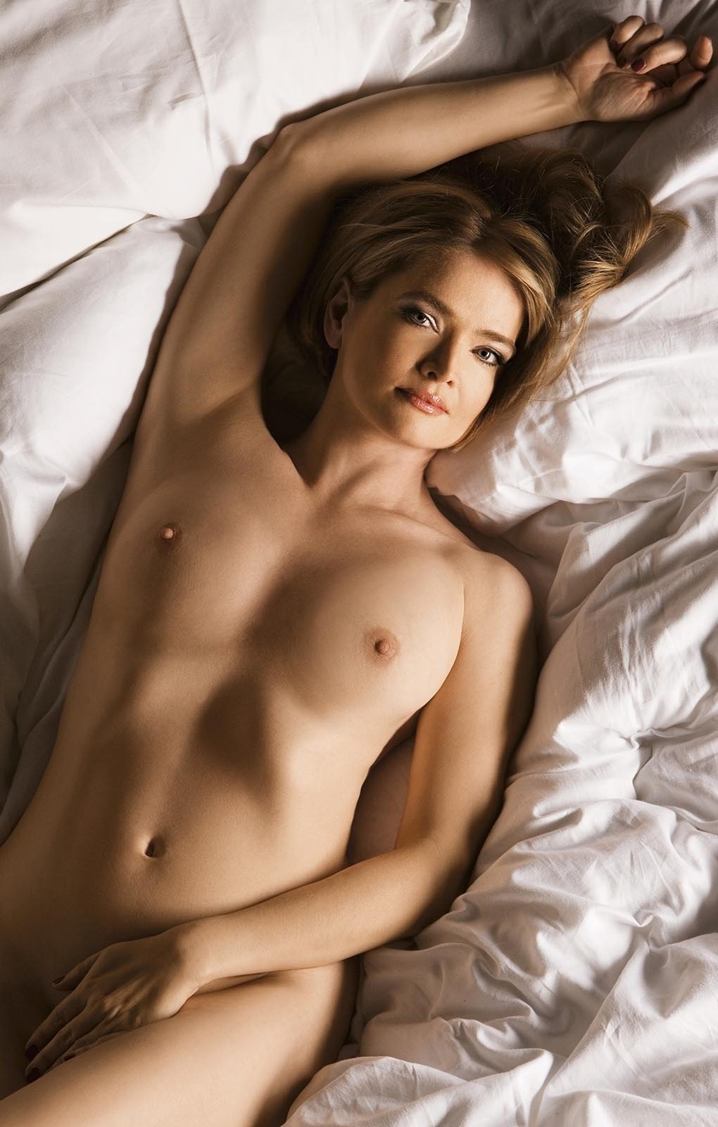 Юлия Бидерман голая. Фото - 5