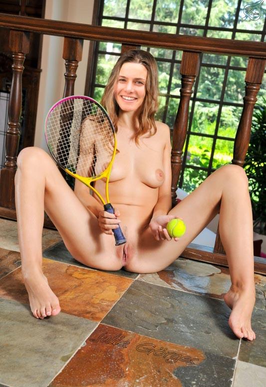 Юлия Гёргес голая. Фото - 9