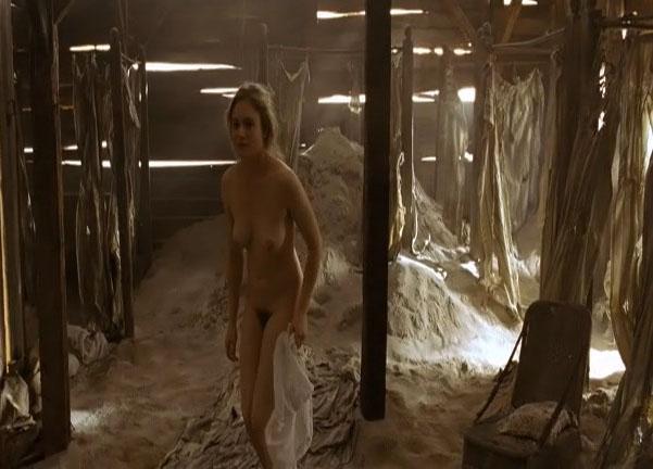 Юлия Йенч голая. Фото - 11