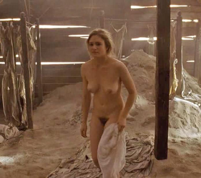 Юлия Йенч голая. Фото - 4