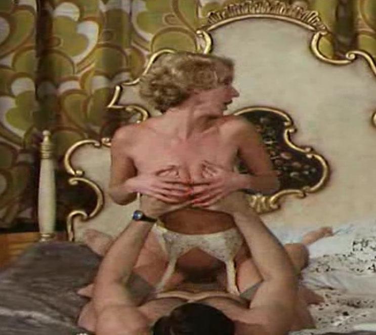 Карин Хофманн голая. Фото - 20