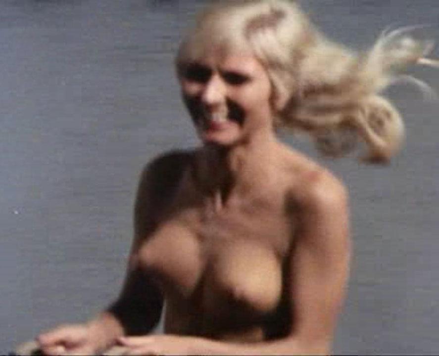 Карин Хофманн голая. Фото - 47