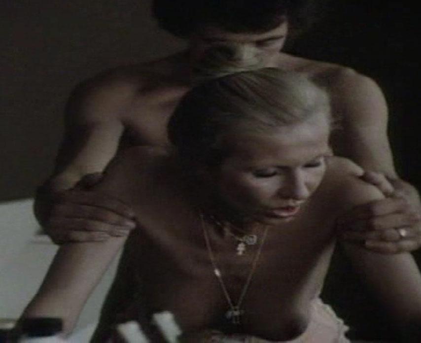 Карин Хофманн голая. Фото - 68