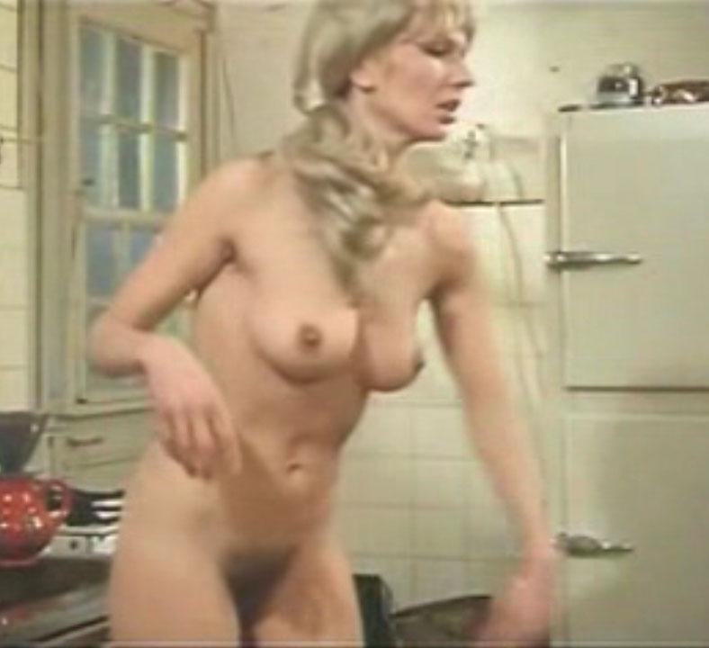 Карин Хофманн голая. Фото - 83