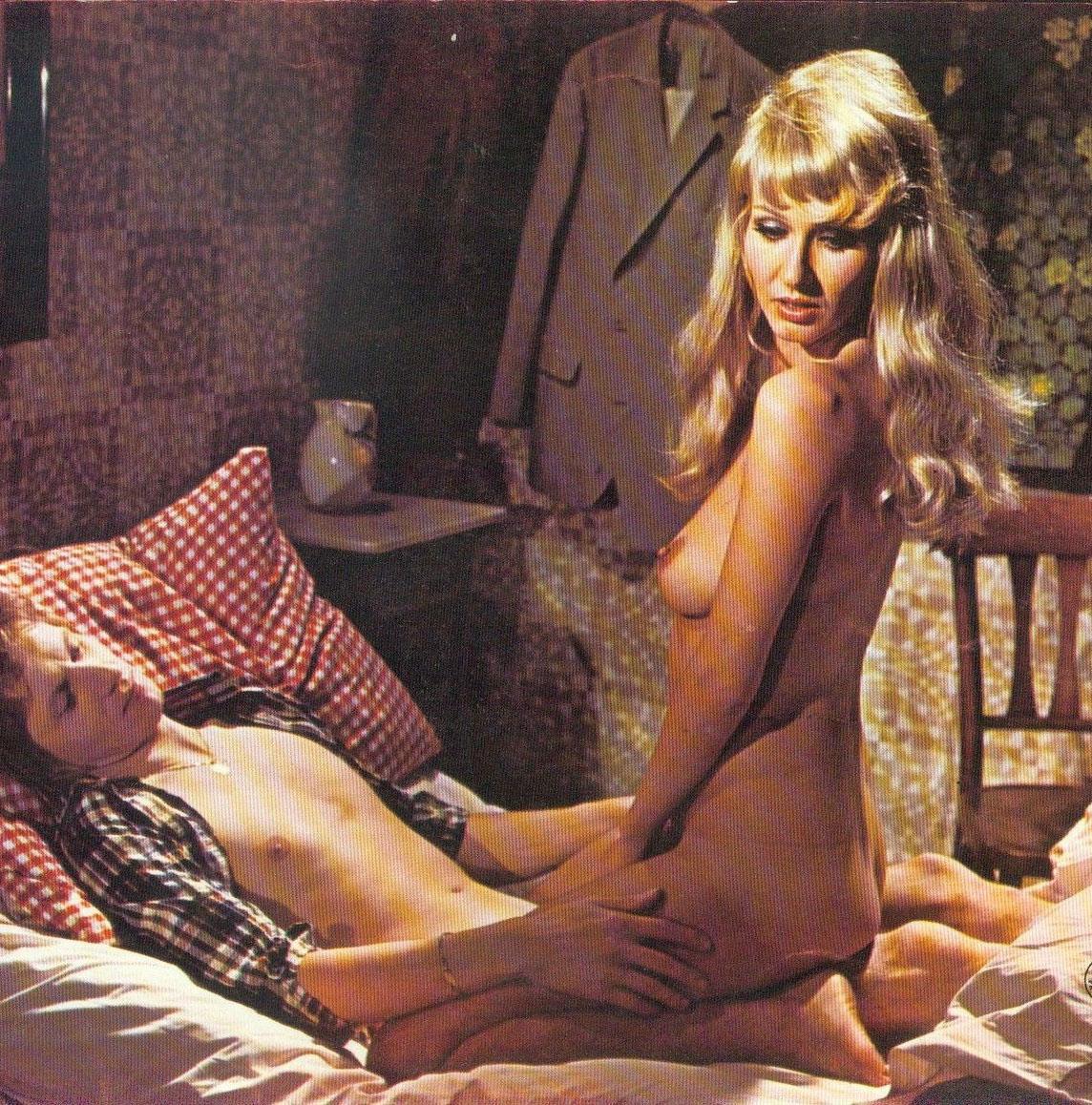 Карин Хофманн голая. Фото - 88