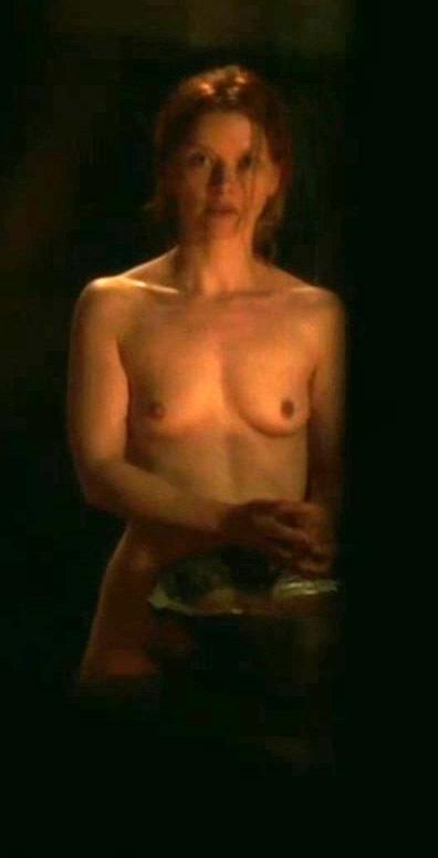 Каролина Шух голая. Фото - 7
