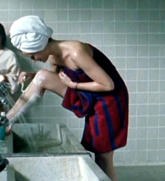 Катрин Кюнель голая. Фото - 12