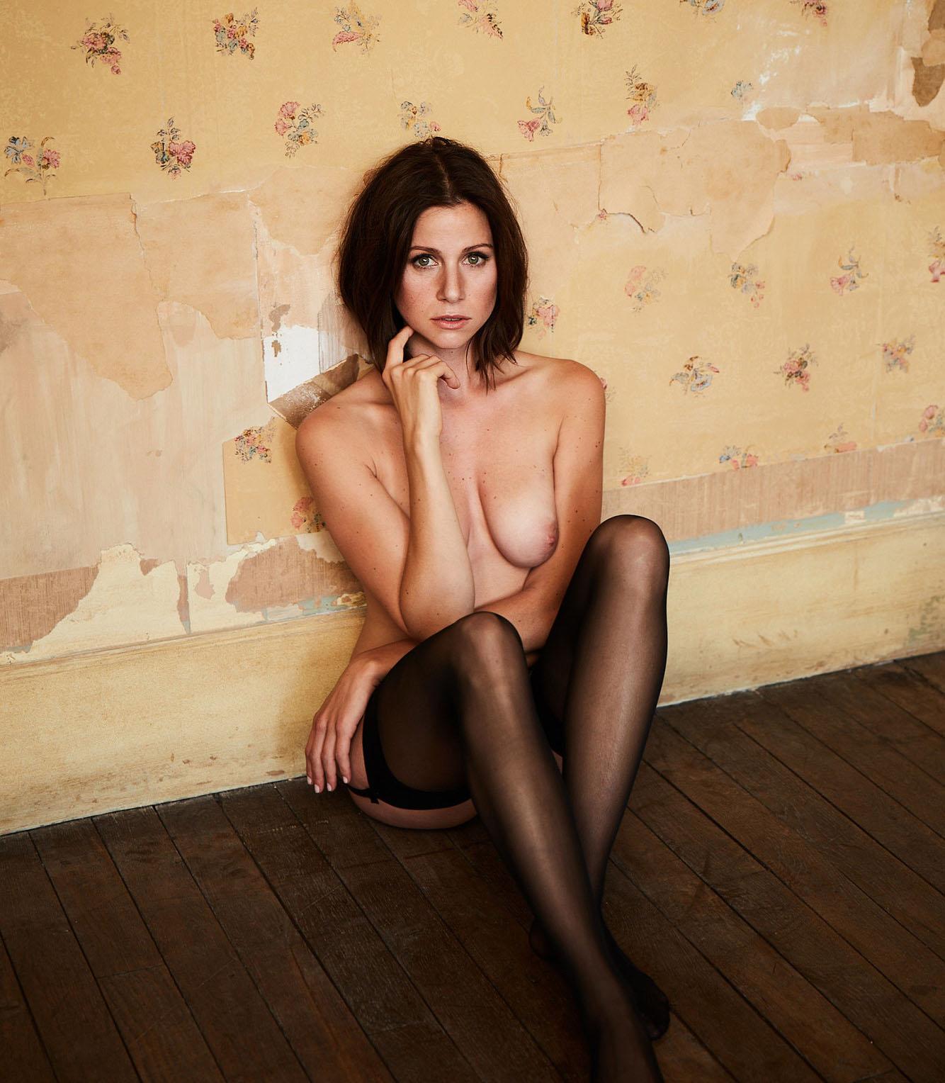 Катрин Хес голая. Фото - 8