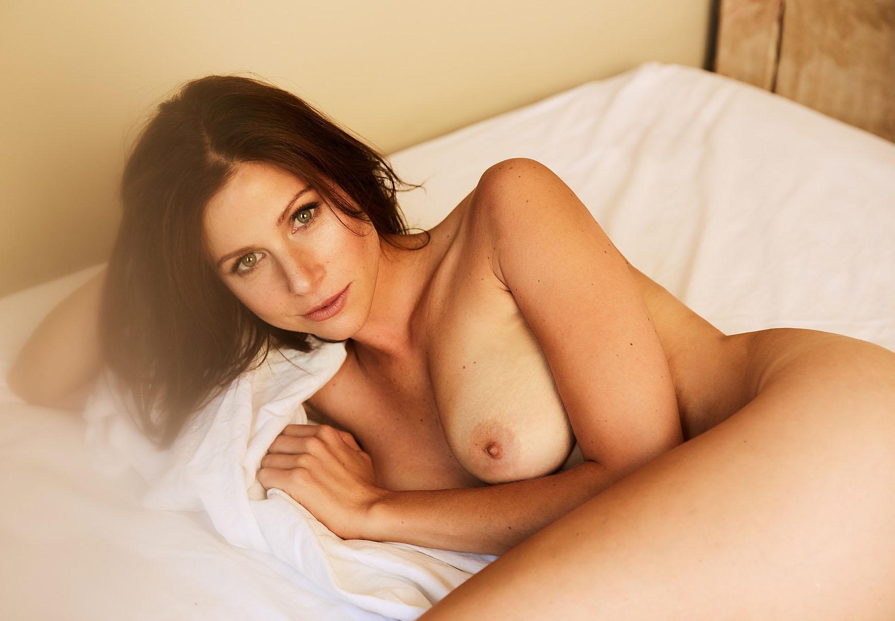 Катрин Хес голая. Фото - 9