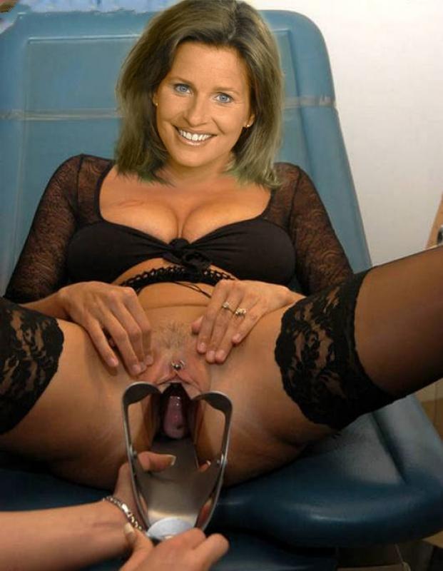 Катрин Мюллер-Хохенштайн голая. Фото - 11