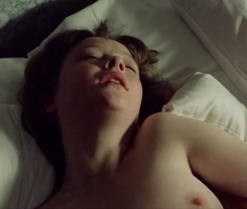 Катрин Засс голая. Фото - 10