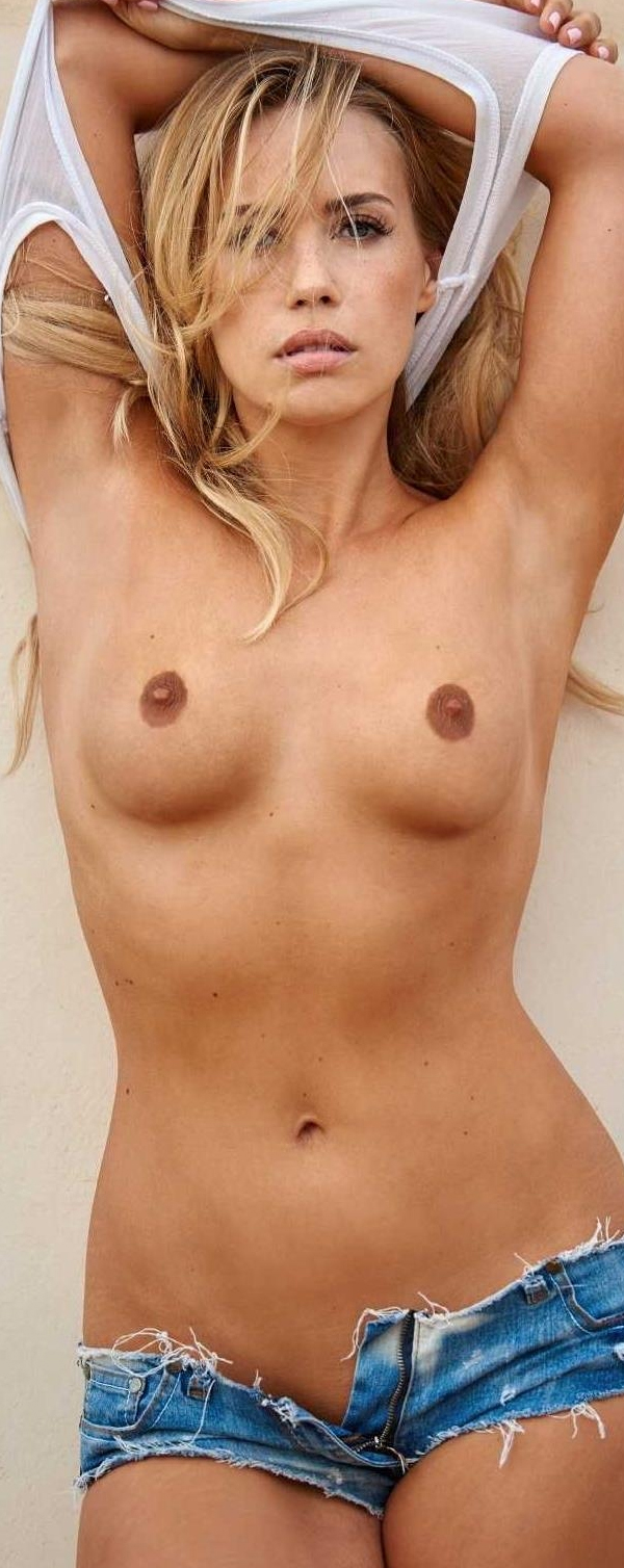 Лара-Изабель Рентинк голая. Фото - 3
