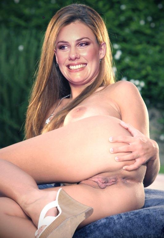 Лаура Дюннвальд голая. Фото - 1