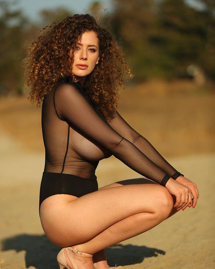 Лейла Лоуфаер голая. Фото - 11