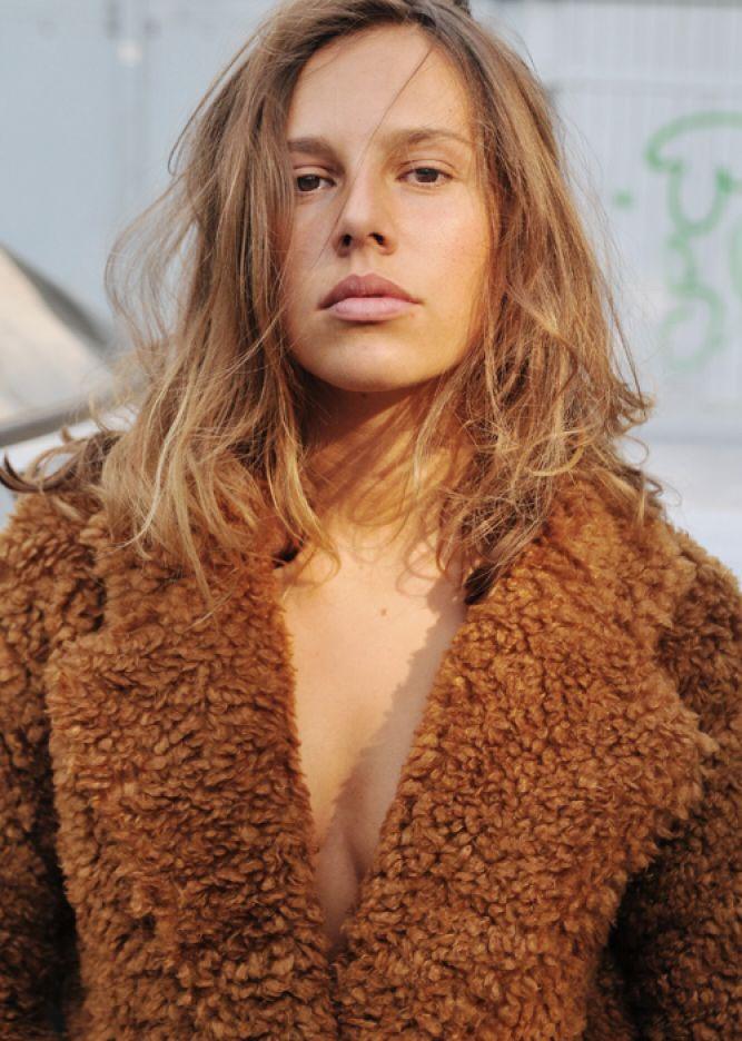 Леони Тепе голая. Фото - 5