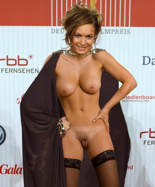 Лиза Мартинек голая. Фото - 2