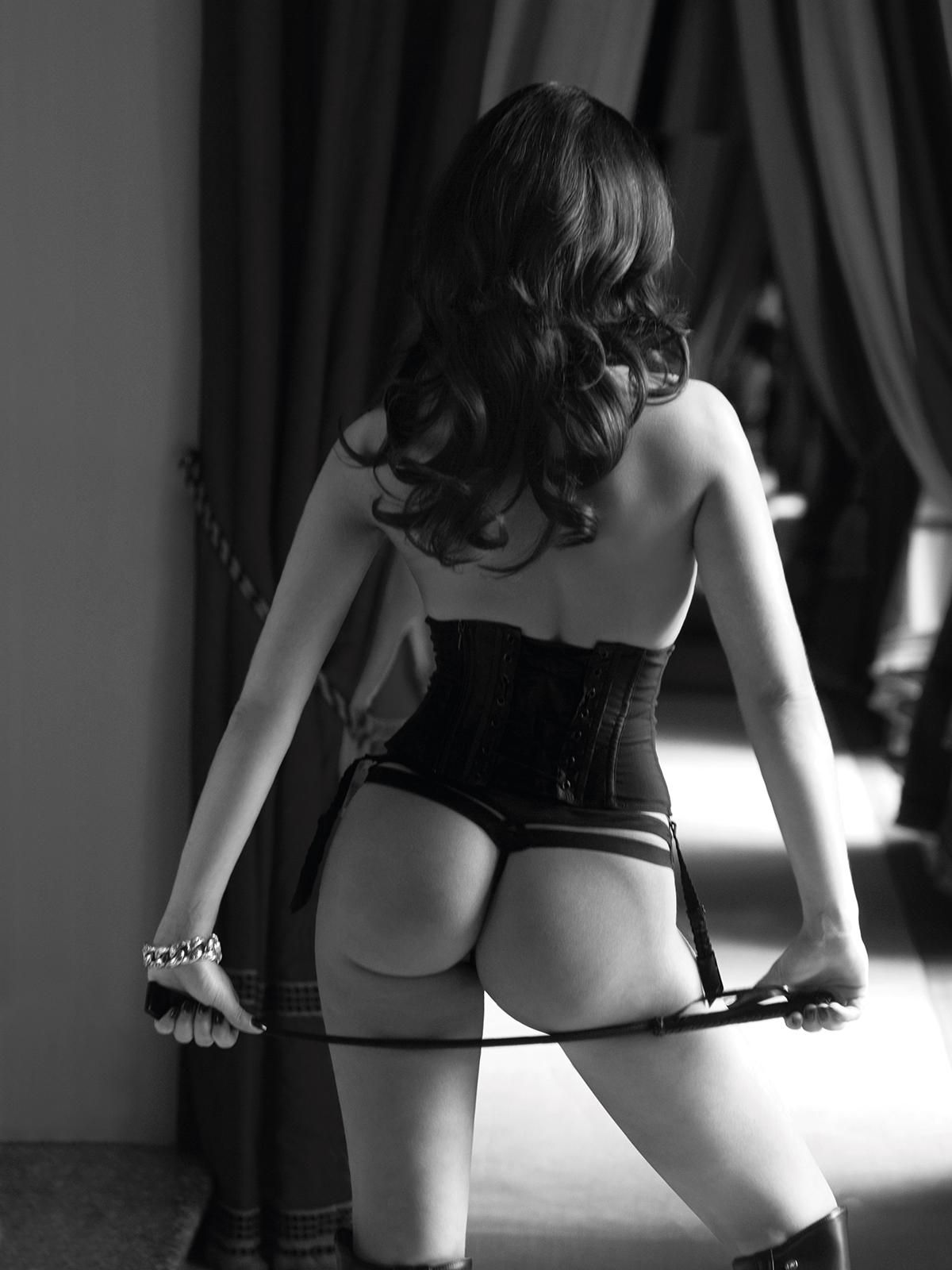 Лиза Ли голая. Фото - 2