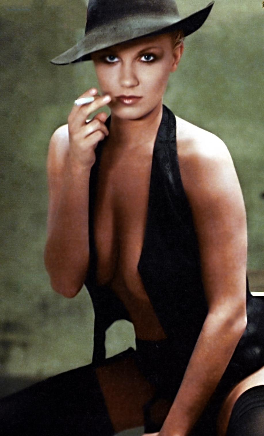 Магдалена Бжеска голая. Фото - 10