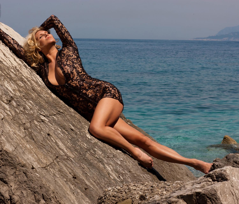 Магдалена Бжеска голая. Фото - 35