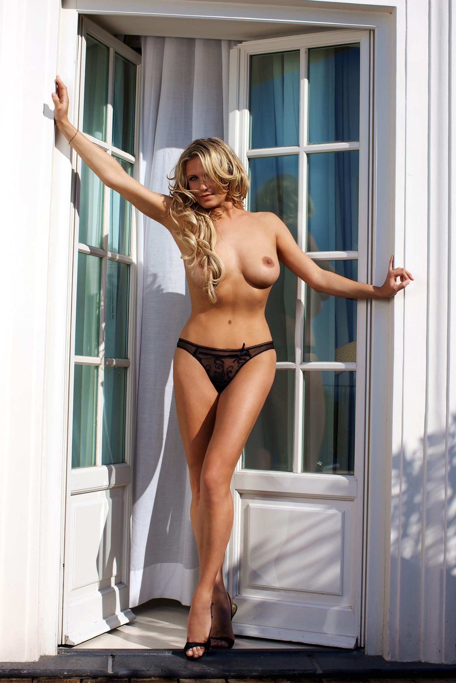 Магдалена Бжеска голая. Фото - 5