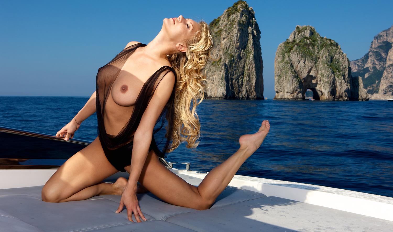 Магдалена Бжеска голая. Фото - 6