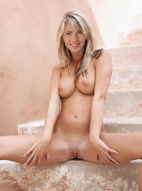 Manuela Schwesig Nackt. Fotografie - 12