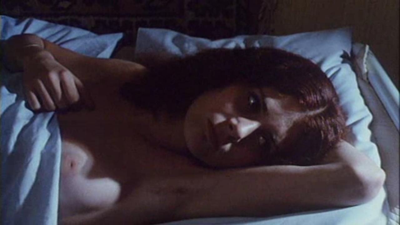 Мануэла Видман голая. Фото - 2