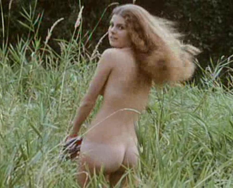 Мануэла Видман голая. Фото - 5