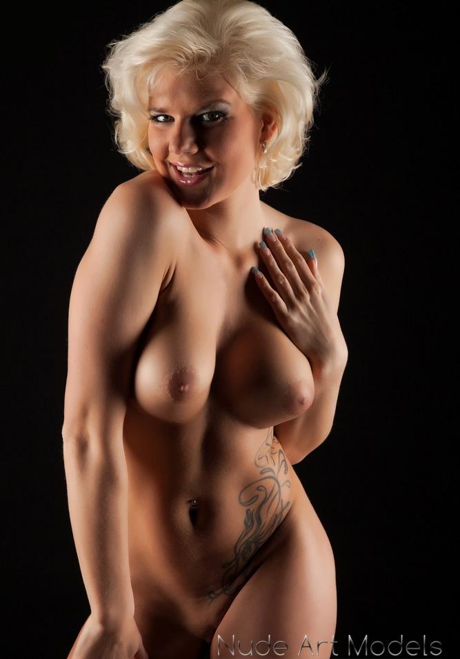 Мелани Мюллер голая. Фото - 11